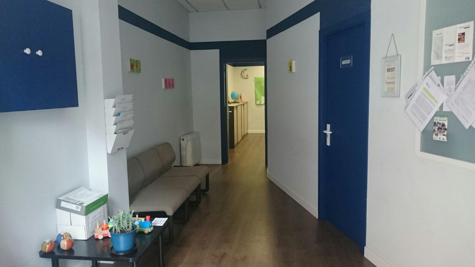 imagen de una pequeña sala de espera de ASVAI