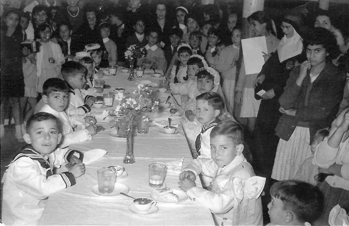 celebracion de comuniones de los ninos de la escuela ASVAI
